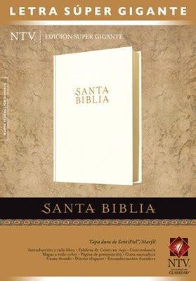 santa biblia promesas ntv regalo santa biblia edici 243 n s 250 per gigante ntv 9781414399911 tyndale clc mexico