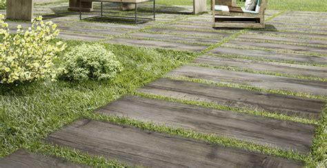 pavimento per giardini pavimenti per giardini gres da esterno marazzi