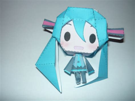 Papercraft Miku - anime chibi paper doll template wallpaper