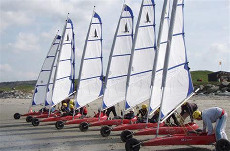 def de catamaran surfschool saint malo activit 233 s nautiques ce s 233 minaires