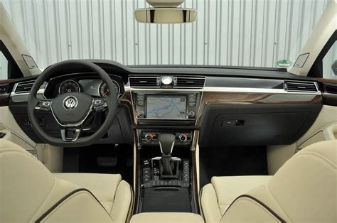 volkswagen phideon interior volkswagen phideon would china s phaeton work in britain