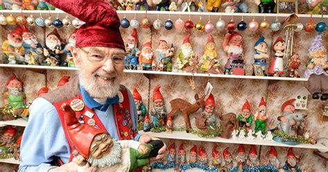 gnome sweet gnome ron broomfield   gnomes  home