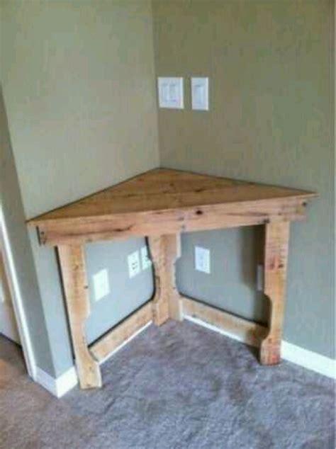 Corner Table Made Of Old Wood Diy Pinterest Corner Desk Diy