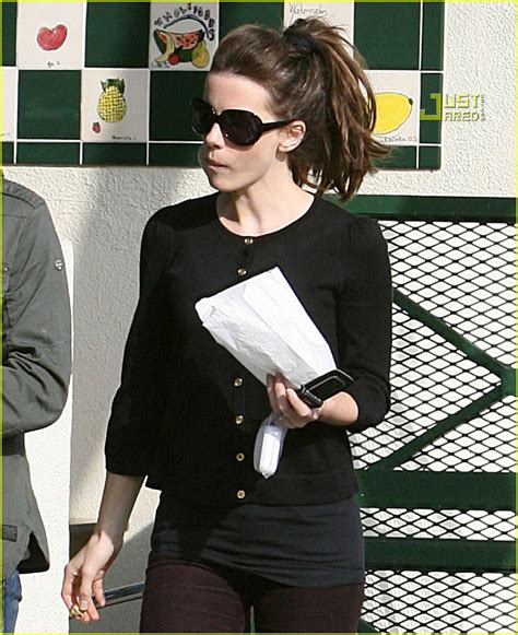 Len Wiseman Is A Grab by Kate Beckinsale Is A Pastry Person Photo 842811 Kate