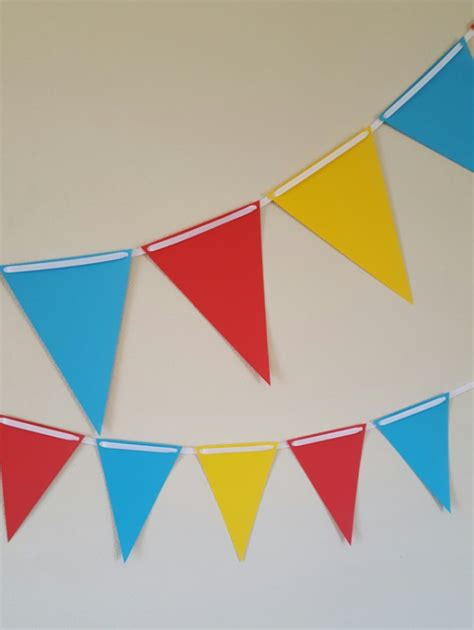 How To Make Paper Pennant Banner - paper bunting paper flags circus bunting circus flags