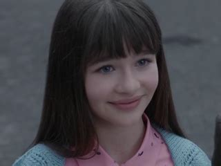 image malina weissman as violet baudelaire (s01e01).jpg