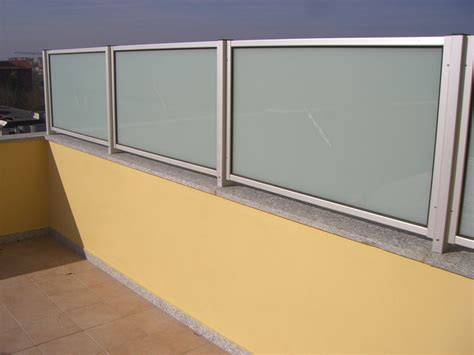 divisori terrazzi pannelli divisori balconi confortevole soggiorno nella casa