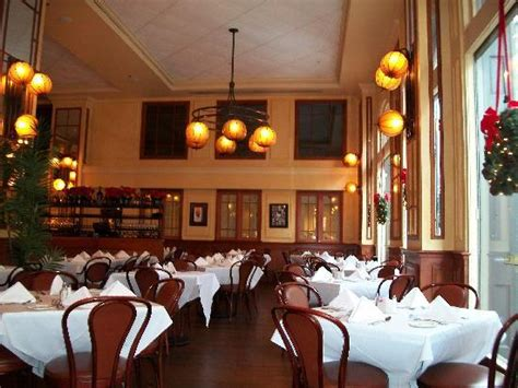 bourbon house new orleans view from mezzanine picture of bourbon house new orleans tripadvisor