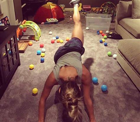 fare pesi a casa come fare un allenamento completo e quali esercizi fare in
