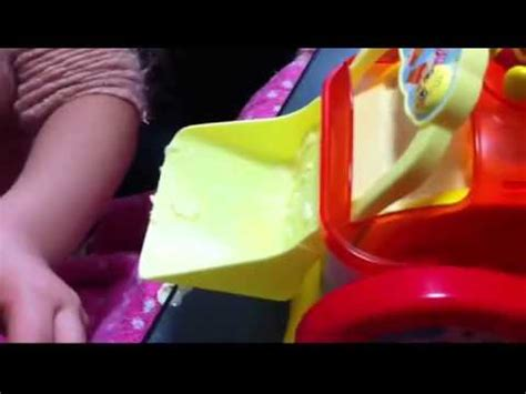 youtube membuat es krim mainan bermain membuat es krim dengan mainan baru mainan perdana