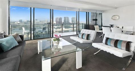 Appartment In Melbourne by Penthouse Apartments In Docklands Melbourne