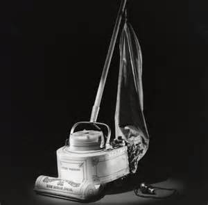 Who Invented The Vaccum Cleaner in 1901 h cecil booth introduced the powered vacuum cleaner
