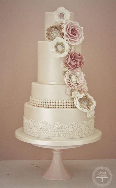 Hochzeitstorte Usa by Wedding Cakes Cameo Corsage Wedding Cake 1958902 Weddbook