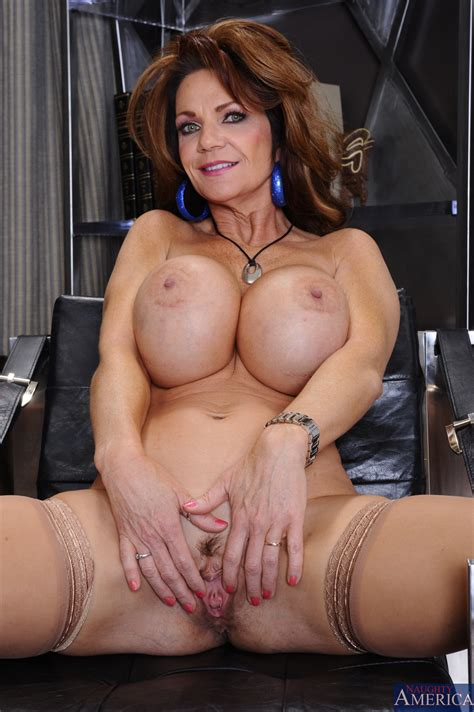 Big Titted Milf Got Her Pussy Licked Photos Deauxma