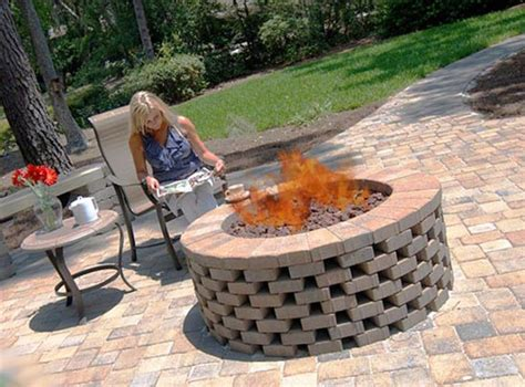 backyard brick fire pit best 25 brick fire pits ideas on pinterest how to build