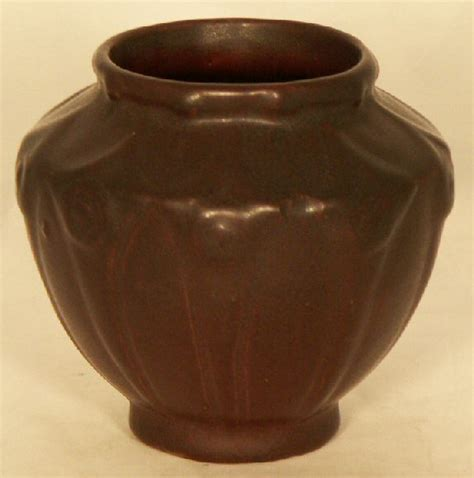Briggle Vase Value by Briggle Pottery Late Vase 654 For Sale
