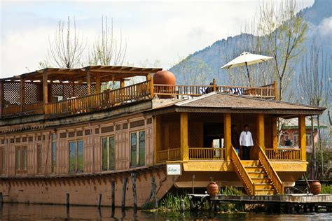 house boat kashmir the mystique of kashmir international traveller