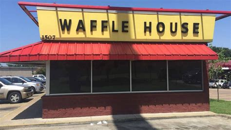 Waffle House Arlington Tx by Ak 47 Toting Waffle House Robber By Customer In Fort Worth Telegram