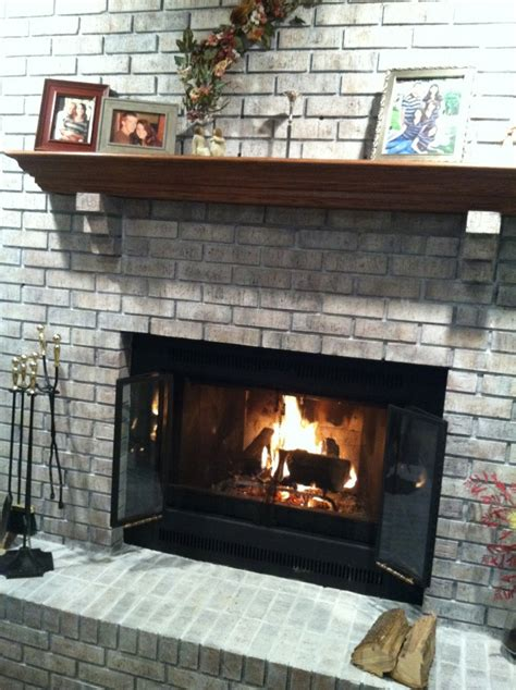 Whitewash Brick Fireplace by Diy Whitewash Brick Fireplace Home Redo
