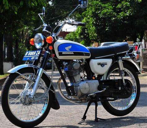 Motor Cb 100 Warna Hitam
