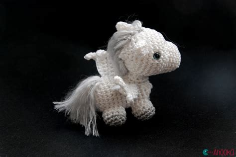 amigurumi wings pattern from a unicorn to a pegasus wings tutorial crochet