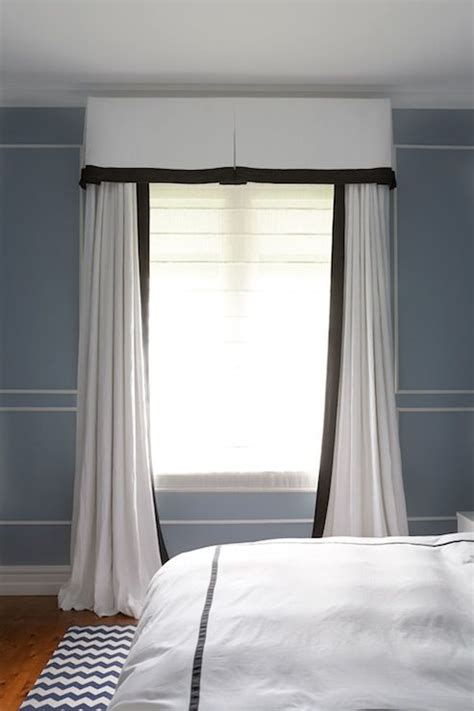 white curtains blue trim 25 best ideas about blue and white curtains on pinterest