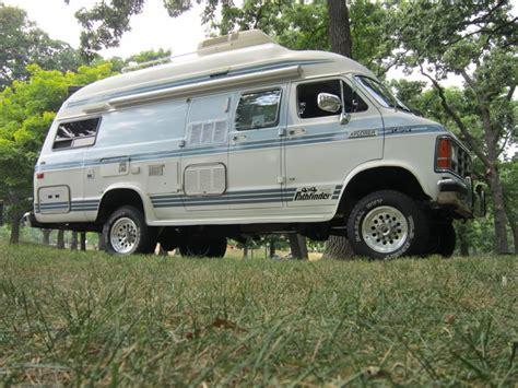 dodge xplorer camper van pathfinder    love    older campervan camp