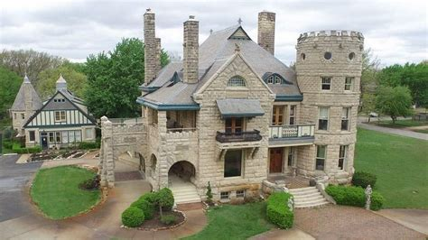 Chateau Style House Plans by Forget Mcmansions Or Tiny Homes 5 U S Castles For Sale