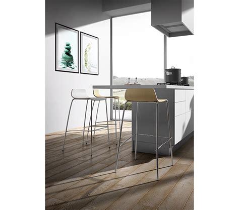 sgabelli in legno usati sgabelli impilabili in legno per bancone cucina e bar