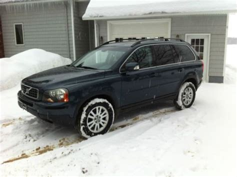 sell   volvo xc  awd suv remarkable shape