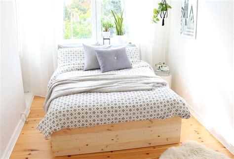 Bettgestell Holz by Diy Bettgestell Aus Holz Platten Bauen 10 Pretty