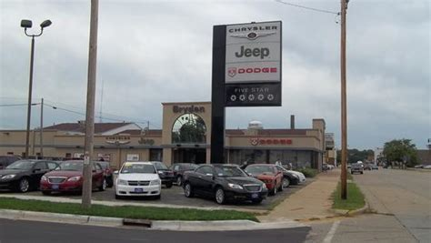 Jeep Dealers Wi Bryden Motors Chrysler Dodge Jeep Ram Beloit Wi 53511