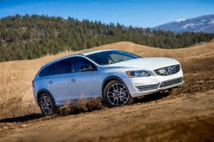 Volvo V60 2015 2015 Volvo V60 Cross Country Front Three Quarter 12 Photo 10