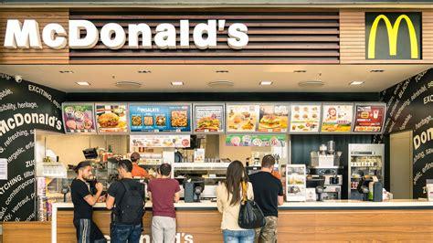 mcdonald s customer chokes cashier order mix up eater
