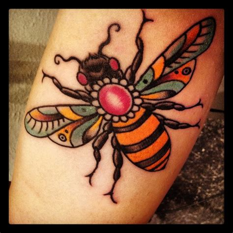 traditional bee tattoo image tattooshunt com