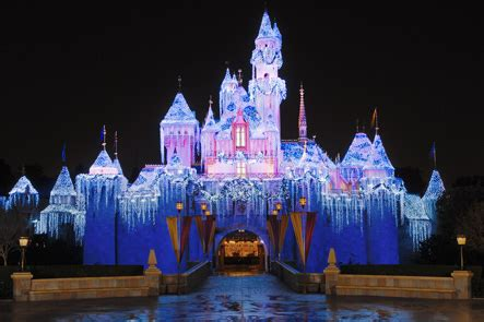 best disneyland christmas 2018 tips and tricks guide