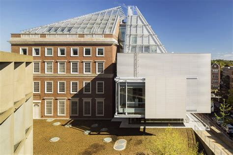 renzo piano unites harvard art museums  glazed rooftop