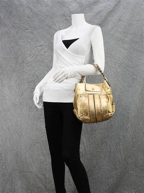 The Heloise Chloes Most Interesting Bags Since The Paddington by Gold Leather Heloise Small Shoulder Bag Yoogi S Closet