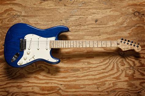 Fenstermaße by Fender Custom Deluxe Ultimate Guitar