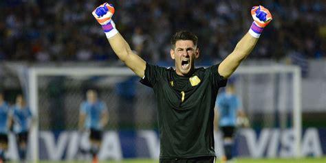 real madrid amankan jasa kiper masa depan argentina bola net