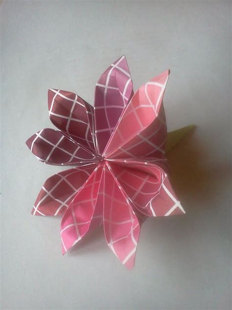 Origami Petals - origami 8 petals flower by coqkie on deviantart