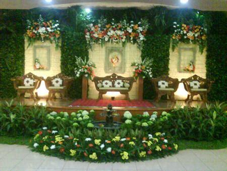 desain lu kristal berbagai macam tema dekorasi pernikahan rias pengantin