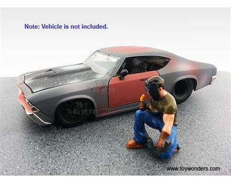 American Diorama Ad 24004 1 24 Musclemen I Flamin Raymond american diorama figurine musclemen series i flamin