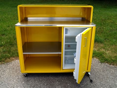 moderner barschrank bretz barschrank metallm 246 bel bar mit k 252 hlschrank ebay