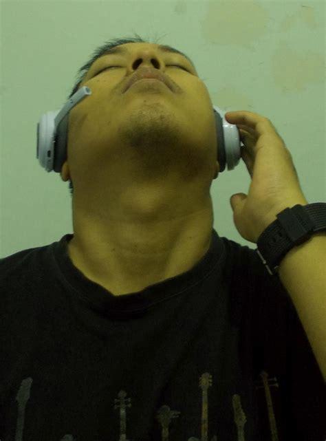Headset Gede a journo musik dan traveling dunia saya