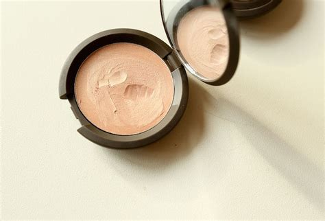 Becca Shimmering Skin Perfector Poured Creme Highlighter In Moonstone 1 becca chagne pop shimmering skin perfector poured cr 232 me