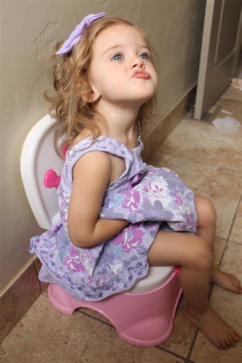 potty training girls open legs little girl potty accident images usseek com