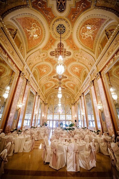 Rialto Square Theatre Weddings   Get Prices for Wedding