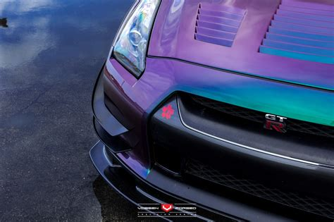 this bearded has an rwd nissan gt r with color flip paint autoevolution