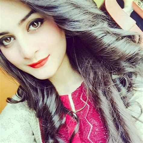 gorgeous aiman khan beautiful pictures from her snapchat